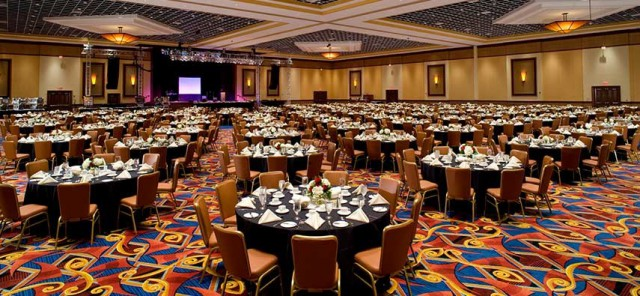 Twin_River_Casino_Dining_Room